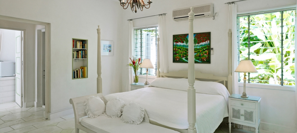nelson-gay-barbados-accommodation-4-poster-bedroom